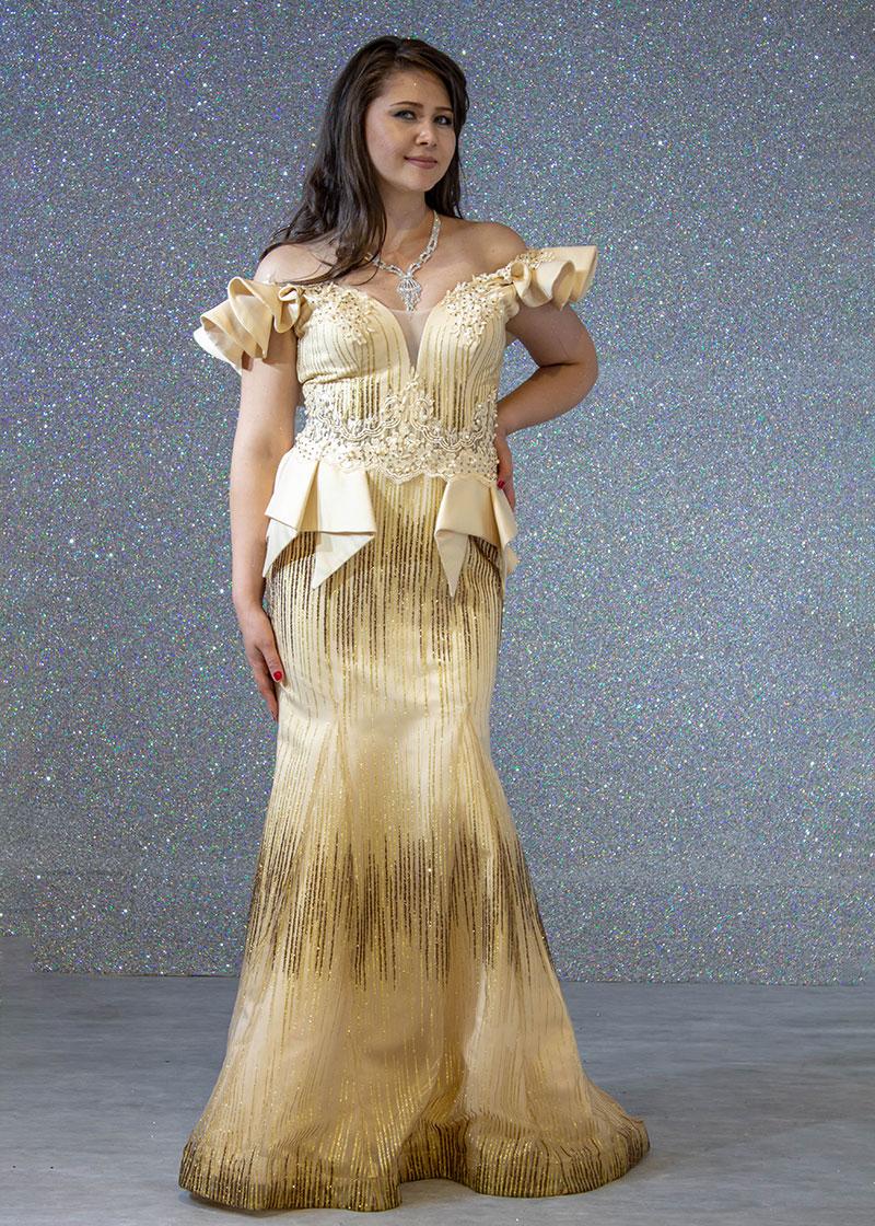 f9785b414 فساتين السهرة: فستان سهرة طويل كنار فراشة ليزر